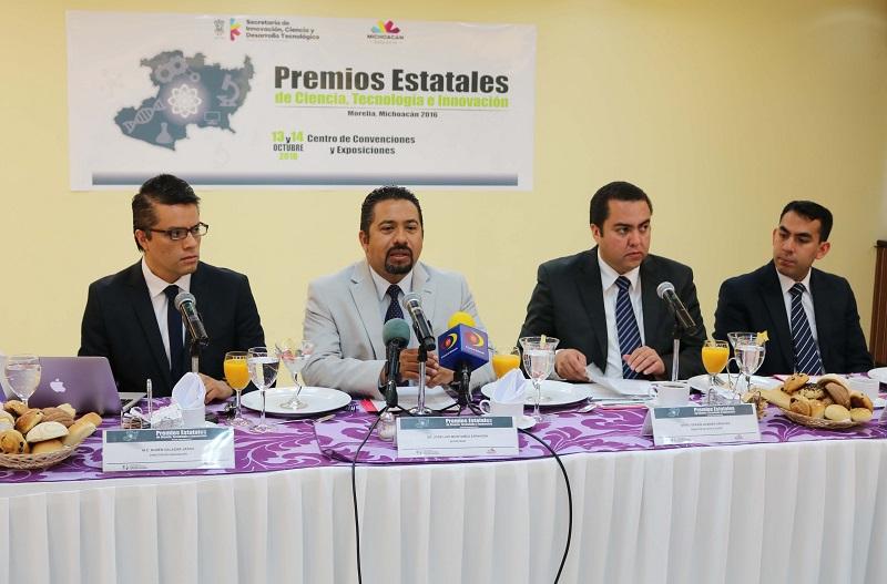 El titular de la secretaría, José Luis Montañez, también anunció el Foro de Consulta del Plan Especial de Innovación, Ciencia y Desarrollo Tecnológico 2015-2021