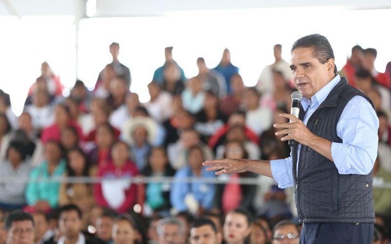 Silvano Aureoles sostuvo que el reto es que en su administración se pueda bajar el 7 por ciento en analfabetismo que actualmente tiene el estado, por lo menos un punto porcentual por año durante su Gobierno
