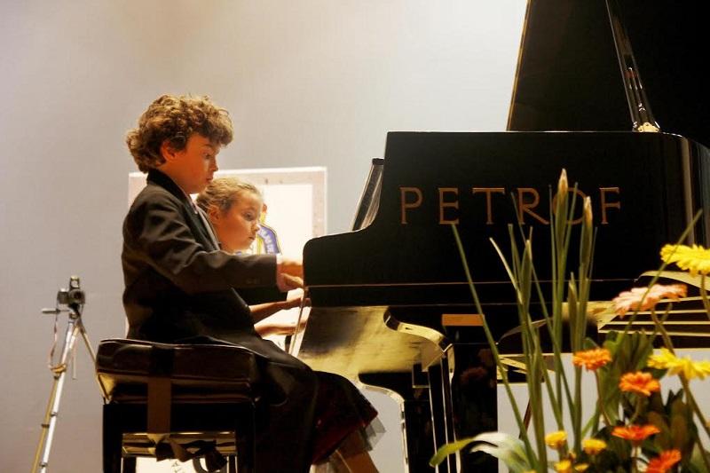 Lleno a su máxima capacidad en el Centro Cultural Universitario para apreciar el recital de los pequeños