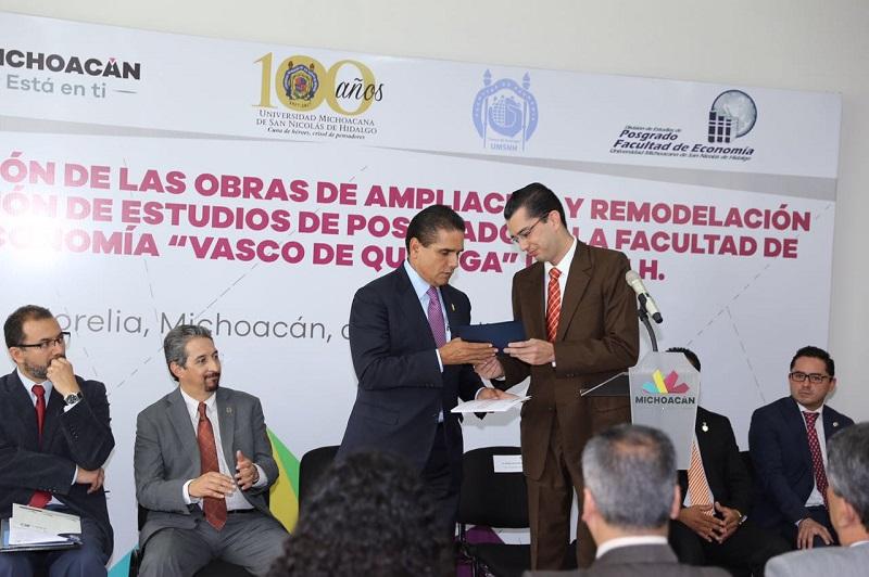 Aureoles Conejo también inauguró las nuevas instalaciones de la División de Estudios de Posgrado de la Facultad de Economía