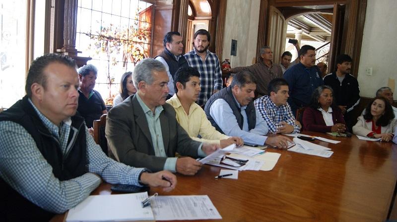 En este marco, el director general de la Cofom, Roberto Pérez Medrano, indicó que los principales retos en el sector forestal son reducir la tasa de deforestación y el impulso sustentable del bosque