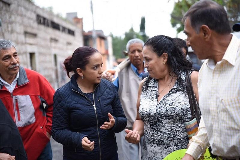 Villanueva Cano se comprometió a buscar los apoyos necesarios, tanto desde el Legislativo como con las autoridades educativas del Gobierno del Estado