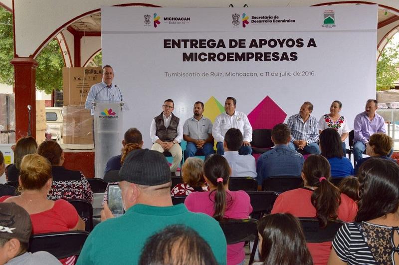 Los apoyos por 1 millón de pesos se repartieron entre 67 micronegocios del municipio