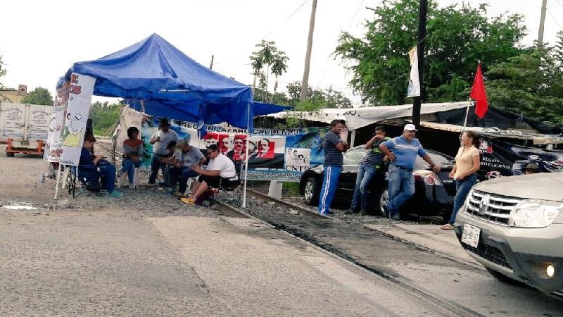 En comunicado de prensa, el gremio ferrocarrilero indicó que ya son 20 bloqueos los que afectan a un equivalente de 28 mil camiones de un remolque