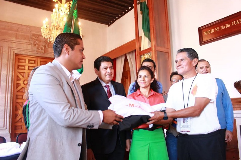 Moncada Sánchez dijo que desafortunadamente actualmente estos deportistas no cuentan con un apoyo institucional para poder siquiera acudir a las competencias a las que son invitados, ni tampoco hay un presupuesto destinado especialmente para ellos