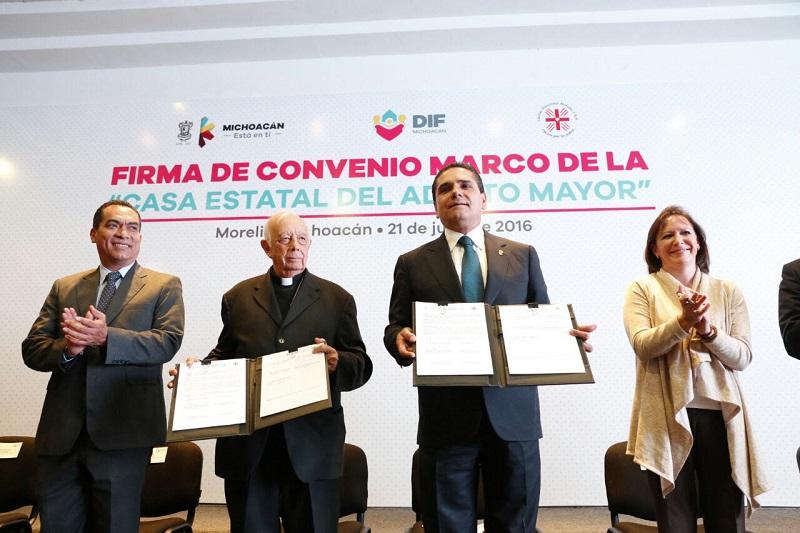 El objetivo es que se puedan edificar más espacios como este en las diez regiones de la entidad, señala Aureoles Conejo