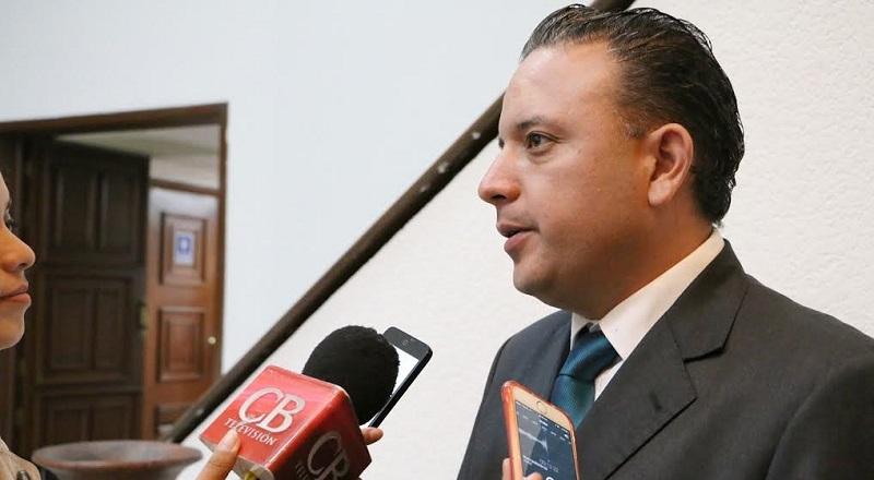 Quintana Martínez demandó a las autoridades educativas no dar marcha atrás a la reforma educativa, ya que ésta tiene la finalidad de impulsar y mejorar el desarrollo educativo de los niños y jóvenes del país
