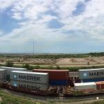 En los últimos días, la ferroviaria Kansas City Southern de México (KCSM), que opera en el Puerto de Lázaro Cárdenas en Michoacán, registró un acumulado de 124 horas de bloqueo que ha detenido el libre paso de 48 trenes