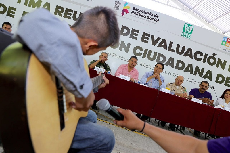 Los ciudadanos son actores centrales para la transformación de Parácuaro: Aureoles Conejo