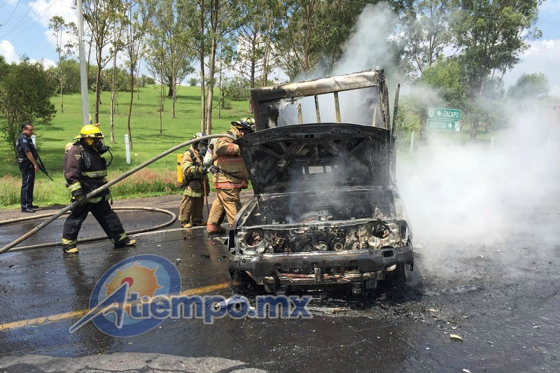 Los hechos se registraron en la carretera Morelia-Zacapu, a la altura de la comunidad de Franco Reyes (FOTOS: FRANCISCO ALBERTO SOTOMAYOR)