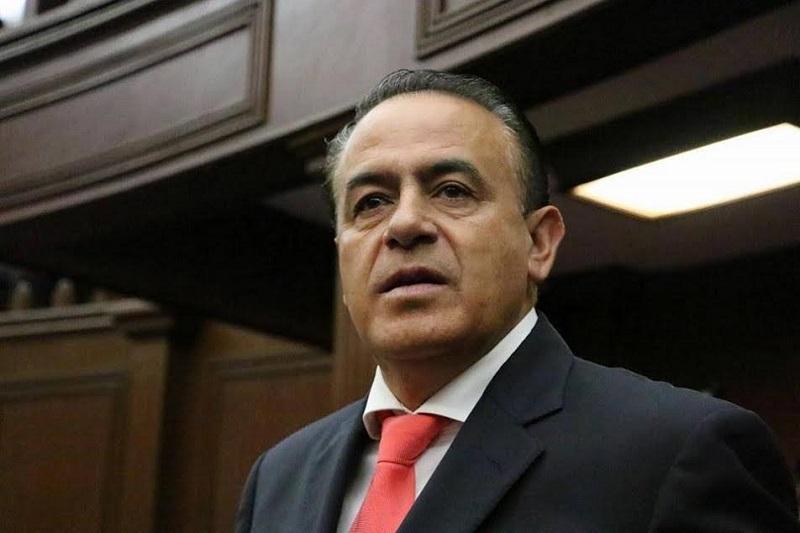 En el grupo parlamentario y en el Poder Legislativo hay coincidencias en las distintas fuerzas ahí representadas de coadyuvar y trabajar en acciones que contribuyan al desarrollo de las y los michoacanos, comentó Sigala Páez