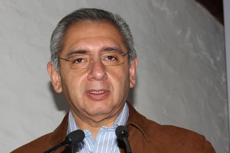 Vega Casillas agregó que derivado de los cierres a las líneas ferroviarias provocados por los maestros de la CNTE, el Puerto de Lázaro Cárdenas ha dejado de mover las cargas de importación para trasladarlas a su destino