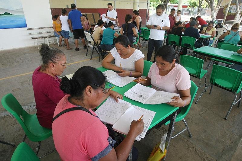 Para mayor información se puede ingresar a michoacan.inea.gob.mx/pec.html, para dudas o comentarios está disponible el correo electrónico mich_becafuturo@inea.gob.mx y el teléfono 01 800 836 74 74