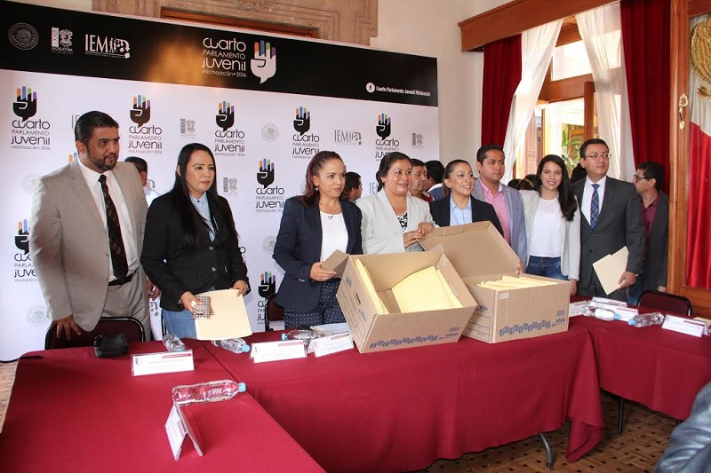 La diputada Andrea Villanueva destacó que la cuarta edición será un espacio para que los jóvenes michoacanos tengan la oportunidad de capacitarse, compartir puntos de vista y debatir sobre la situación que vive el estado