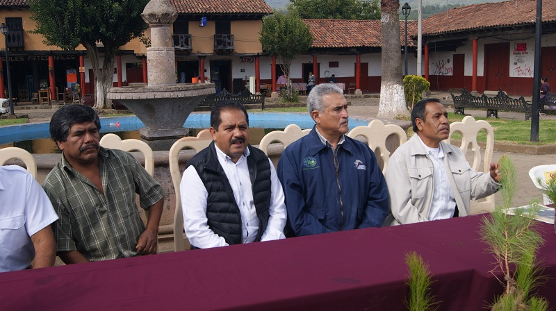Esta reforestación será histórica para la comunidad y la región Lacustre, destacó el director general de la Cofom, Roberto Pérez Medrano