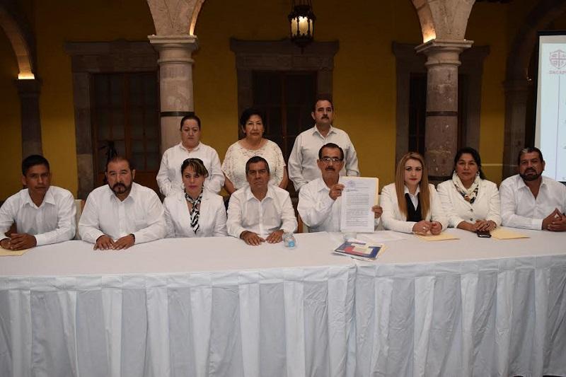 En un hotel del Centro Histórico de Morelia, el síndico municipal, Víctor Pérez, ante la presencia de 11 regidores del Ayuntamiento, enumeró las 9 Quejas que fueron presentadas en la ASM