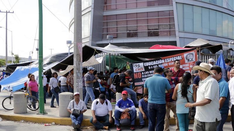 En conferencia de prensa, los representantes de los restauranteros, hoteleros y de los servicios turísticos en general, afiliados a la Concanaco-Servytur, informaron que la denuncia colectiva se interpondrá en el curso de los siguientes días