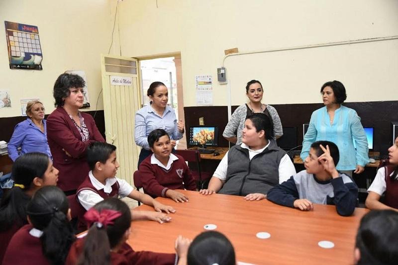 Villanueva Cano reiteró su compromiso por impulsar desde el Poder Legislativo, herramientas legales que se traduzcan en una protección efectiva para los niños y jóvenes de Morelia y todo Michoacán