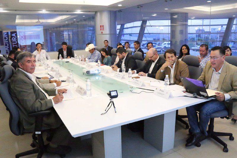 El director del Colegio de Morelia, Alejandro Amante, se mostró complacido por la presencia de los miembros del Consejo y se declaró abierto a todo tipo de retroalimentación