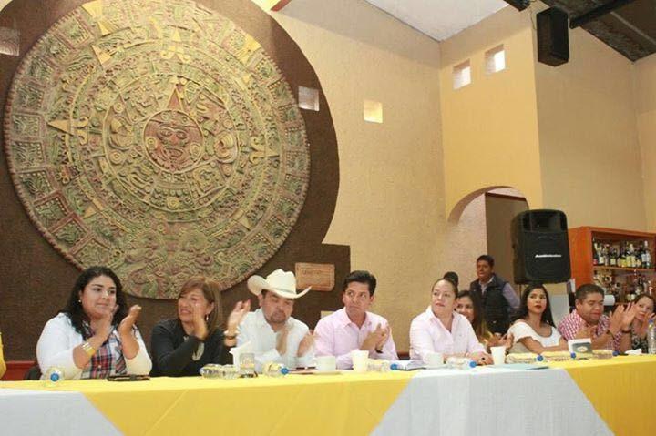 García Conejo, acompañado de la diputada local, Jeovana Alcántar y el diputado federal, Antonio Méndez, reiteró la importancia de la cercanía