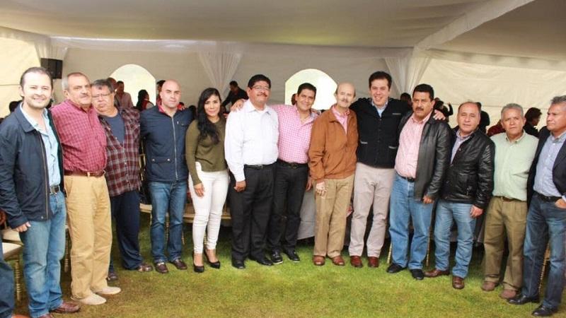 En conjunto con el licenciado Vallejo Figueroa, Núñez Aguilar aprovechó para agradecer a los presentes el apoyo brindado durante toda su carrera política a nivel local, estatal y federal