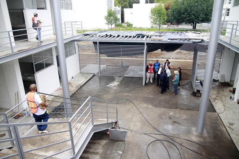 El rector Medardo Serna González hizo un recorrido por el inmueble y constató que la obra está a punto de quedar lista para que el próximo 22 de agosto