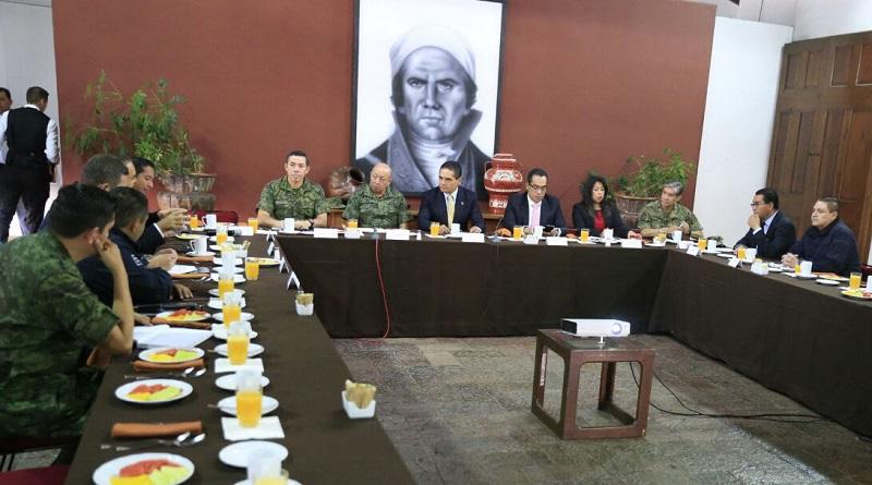Los integrantes del Grupo de Coordinación Michoacán acordaron realizar sus reuniones en diversos municipios para llevar a cabo sesiones de trabajo regionales, con el propósito de convocar a los presidentes municipales
