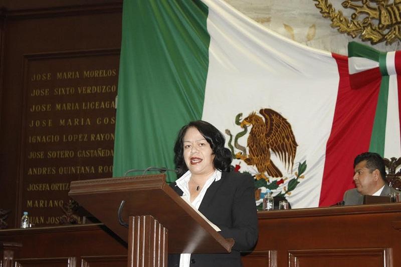 Alcántar Baca recordó que la Reserva de la Biosfera Mariposa Monarca abarca los municipios de Contepec, Senguio, Angangueo, Ocampo, Zitácuaro, y Aporo en el estado de Michoacán