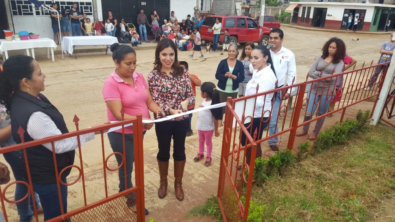 Rosy Miranda reconoció que en todo el municipio existen necesidades, pero que en la medida en que los vecinos se organicen se verán beneficiados con obras que signifiquen una mejor calidad de vida