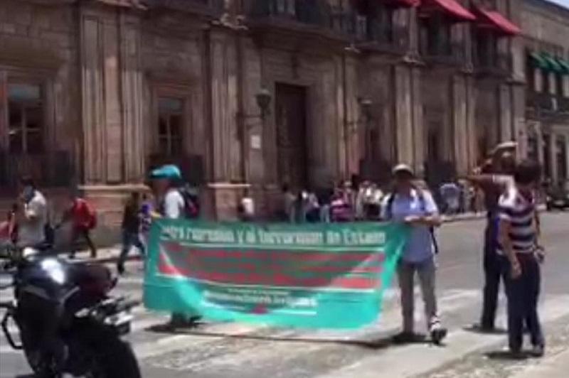"""Los manifestantes se quejan de actos de """"represión"""" y """"terrorismo"""" por parte del gobierno (FOTO: TWITTER)"""