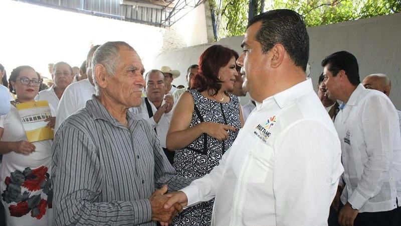 Ibarra Torres recordó que se hizo entrega de los siguientes apoyos, por cultivos afectados de maíz, sorgo, ajonjolí por más de 16 millones de pesos