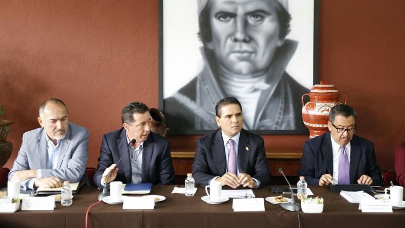 Aureoles Conejo subrayó que durante su sexenio, en la obra pública de participación estatal se dará prioridad a las empresas michoacanas, particularmente a las agremiadas a la CMIC