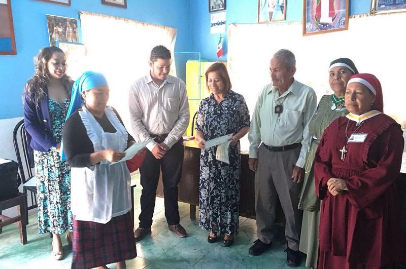 Se reúnen funcionarios de los tres órdenes de Gobierno con habitantes de la comunidad para atender sus necesidades