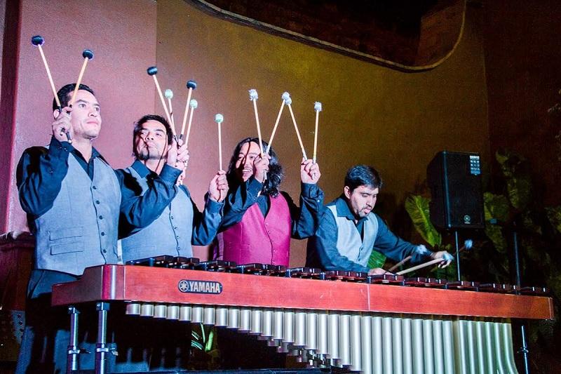 Este martes 23 en el Ex Convento de Tiripetío el Ensamble de percusión Versus 8 ofrecerá un concierto a las 5 de la tarde, con entrada libre