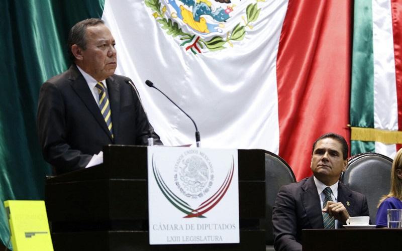 Zambrano Grijalva se desempeña como diputado federal y presidente de la Mesa Directiva de la Cámara de Diputados en el Congreso de la Unión