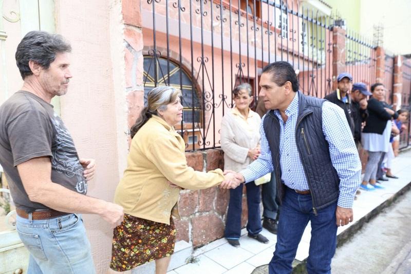 El mandatario ratificó su convicción de recorrer el estado y visitar los municipios michoacanos, para escuchar sus demandas y estar cerca de la gente