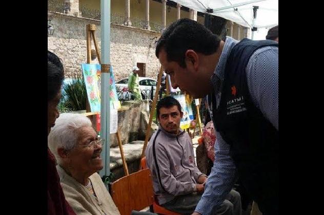 """Un importante número de capacitandos mayores de 65 años, asisten al ICATMI para auto realizarse """"ellos son una población que aún es muy productiva"""", señaló Barragán Vélez"""