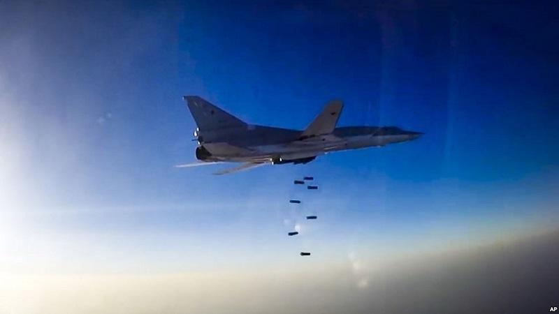 El alto responsable yihadista integraba, según el ministerio ruso de Defensa, un grupo de unos 40 combatientes del EI que resultaron muertos el martes por disparos de un bombardero ruso Su-34 (FOTO: AP)