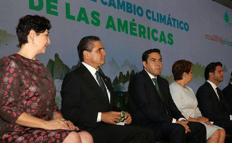 Reconocen trabajo de Silvano Aureoles para frenar el cambio climático