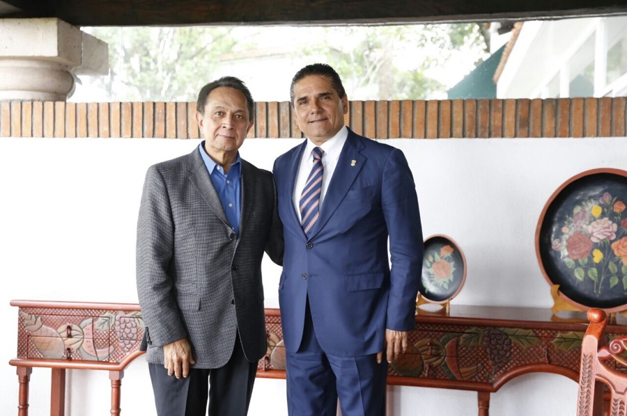Se reúne Silvano Aureoles con él exgobernador Víctor Manuel Tinoco Rubí