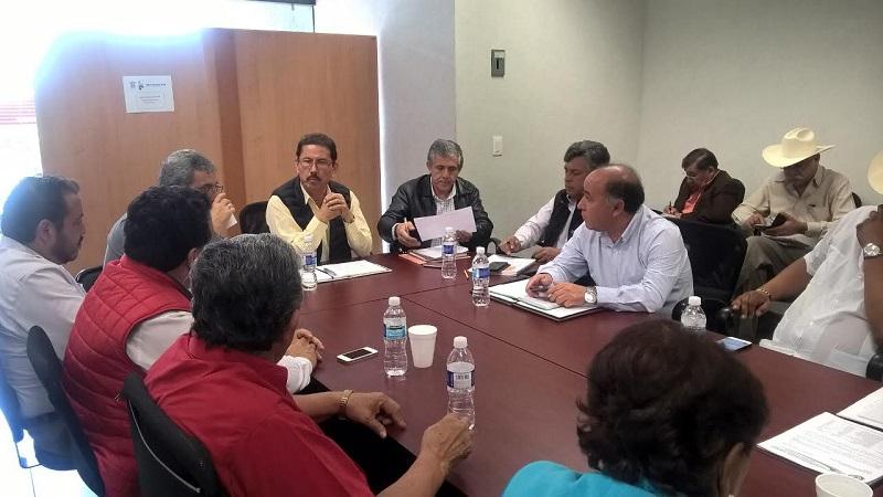 La administración estatal trabaja sin distingos en pro del campo michoacano, resalta el titular de la Sedrua, Israel Tentory García