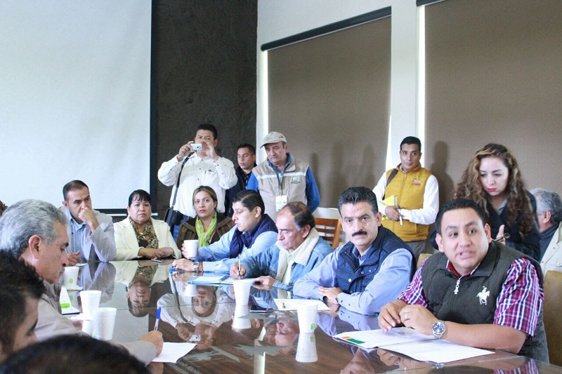 De manera inmediata se instaló un grupo técnico que levantará un diagnóstico de las condiciones en que se encuentra el Cerro de la Cruz, después de los escurrimientos de lodo y material boscoso