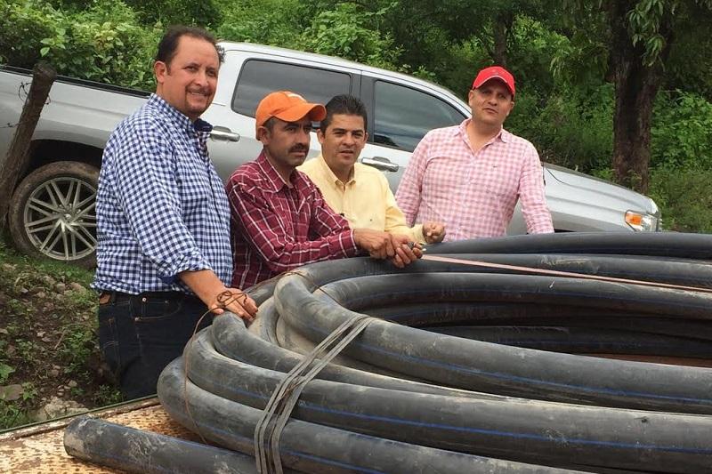 En total se beneficiarán más de 60 familias con estas acciones, sostuvo Prieto Gómez quien adelantó que prepara su primer informe legislativo