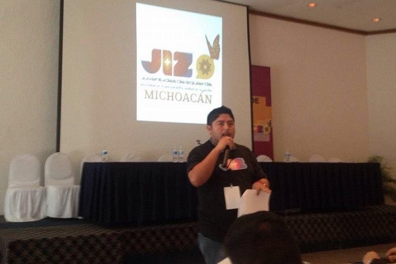 Ochoa Valdovinos comentó que para mayores detalles sobre esta campaña puede consultarse la página http://masymenos.mx/