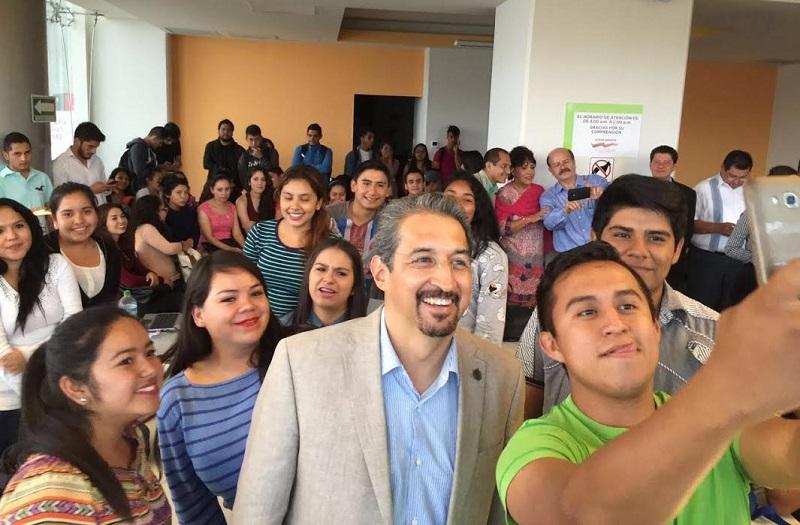 """""""Merecemos que se respete la normatividad. Y necesitamos transitar hacia allá, a la legalidad. Michoacán nos necesita trabajando y lo vamos a lograr todos juntos"""", dijo el doctor en ciencias"""