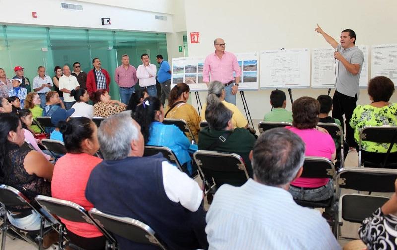 Al encuentro ciudadano asistieron jefes de tenencia, líderes de sectores y representantes de las colonias del Poniente de Morelia