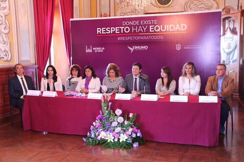 Martínez Alcázar hizo un llamado a los morelianos para que sumen a esta iniciativa, pues argumentó que una sociedad participativa y que se involucra es una sociedad más sana