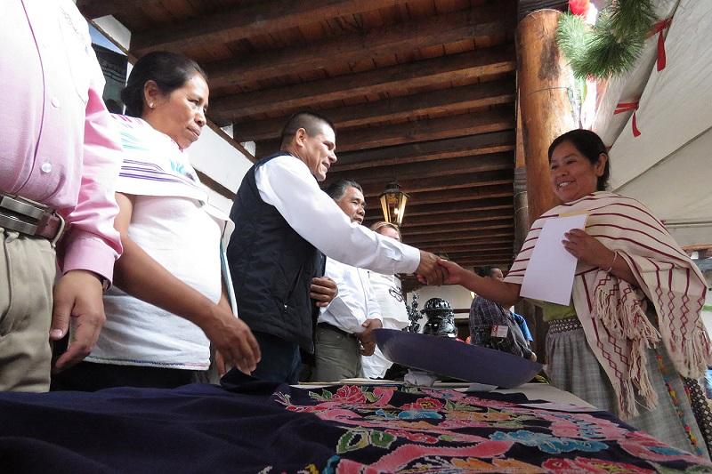 Participaron 73 artesanas y artesanos con 113 piezas; se otorgó una bolsa de 56 mil pesos en premios