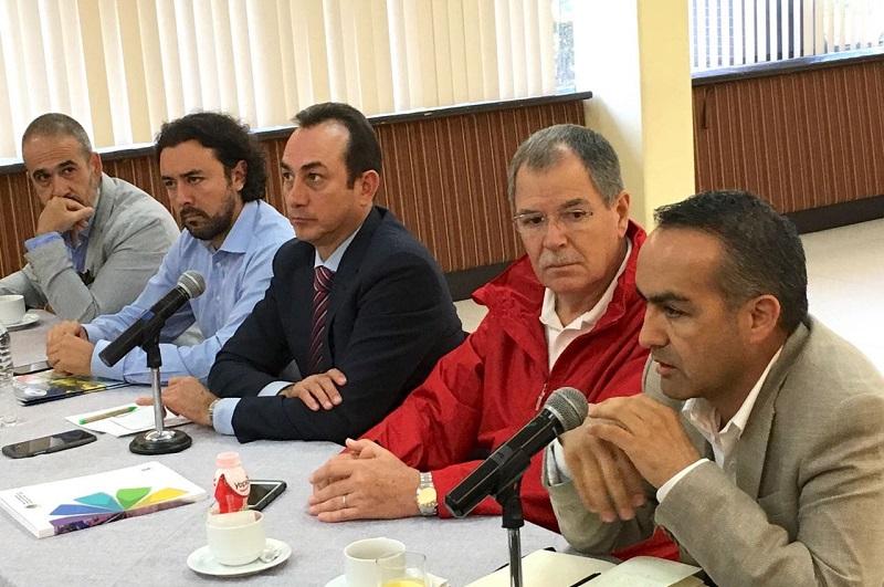 Soto Sánchez dijo que es necesario que el sector empresarial conozca a fondo los lineamientos que deben de tener los esquemas productivos, para que haya mayor facilidad para negociarlos con los legisladores