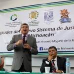 Magaña de la Mora destacó que una las complicaciones que enfrentó nuestro país para la incorporación del Sistema Acusatorio y Oral, fue que en México cada entidad contaba con diferente Código de Procedimientos Penales